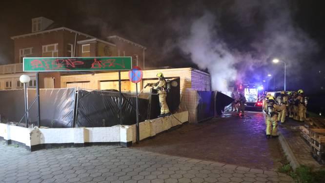 Molotovcocktails gevonden bij brandend hotel: 'Ik hoop dat het vandalisme is door jongeren'
