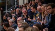 Ruim 300 supporters, 16 goals en 2.000 euro voor goed doel in voetbalderby van Wetterse cafés