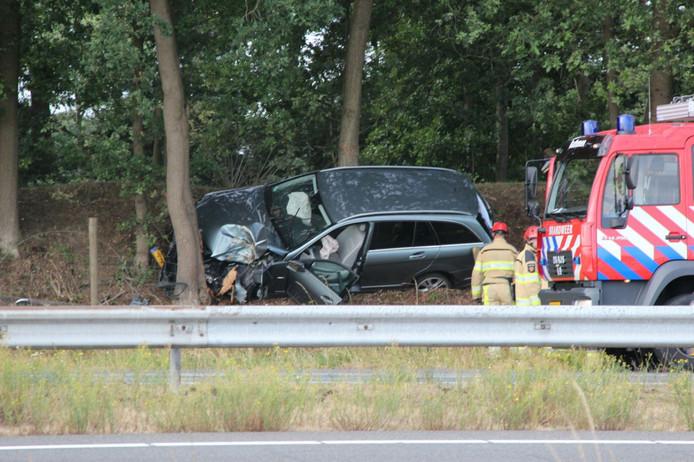 Een auto raakte van de weg op de A1 bij Bathmen .