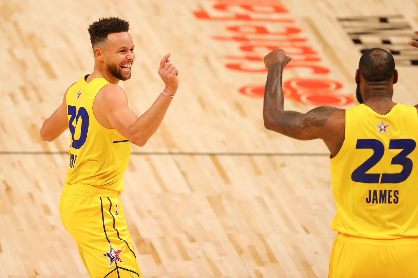 Stephen Curry en Lebron James hebben lol.