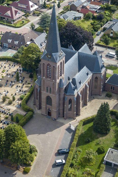 De godslamp dooft in het Oosten: verdriet om sluiting van zeven kerken in Sallandse dorpen
