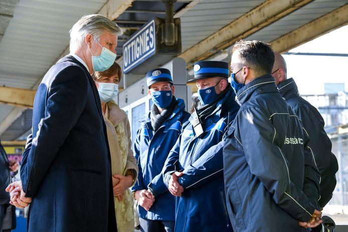 Een ontmoeting met treinpersoneel.