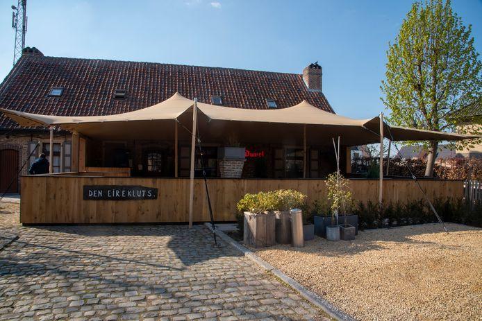 Het nieuwe overdekte terras van Den Eirekluts in Serskamp.