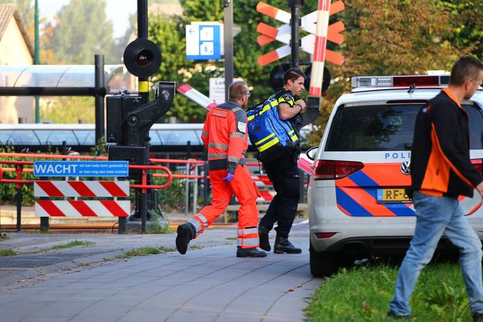 Politiemensen aan het werk op de dag van het drama.