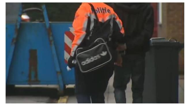 Politie doorzoekt school in Kapellen op wapens en drugs
