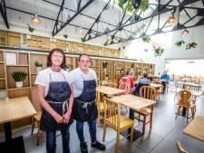 """Sociaal restaurant en lunchbar Het Paradijs viert 20 jaar: """"Klanten dachten soms dat ze de sterrenkeuken van Geert Van Hecke konden proeven"""""""