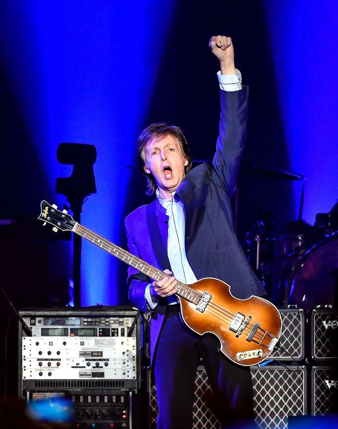 Behalve met platen en rechten verdient McCartney goed aan zijn optredens.