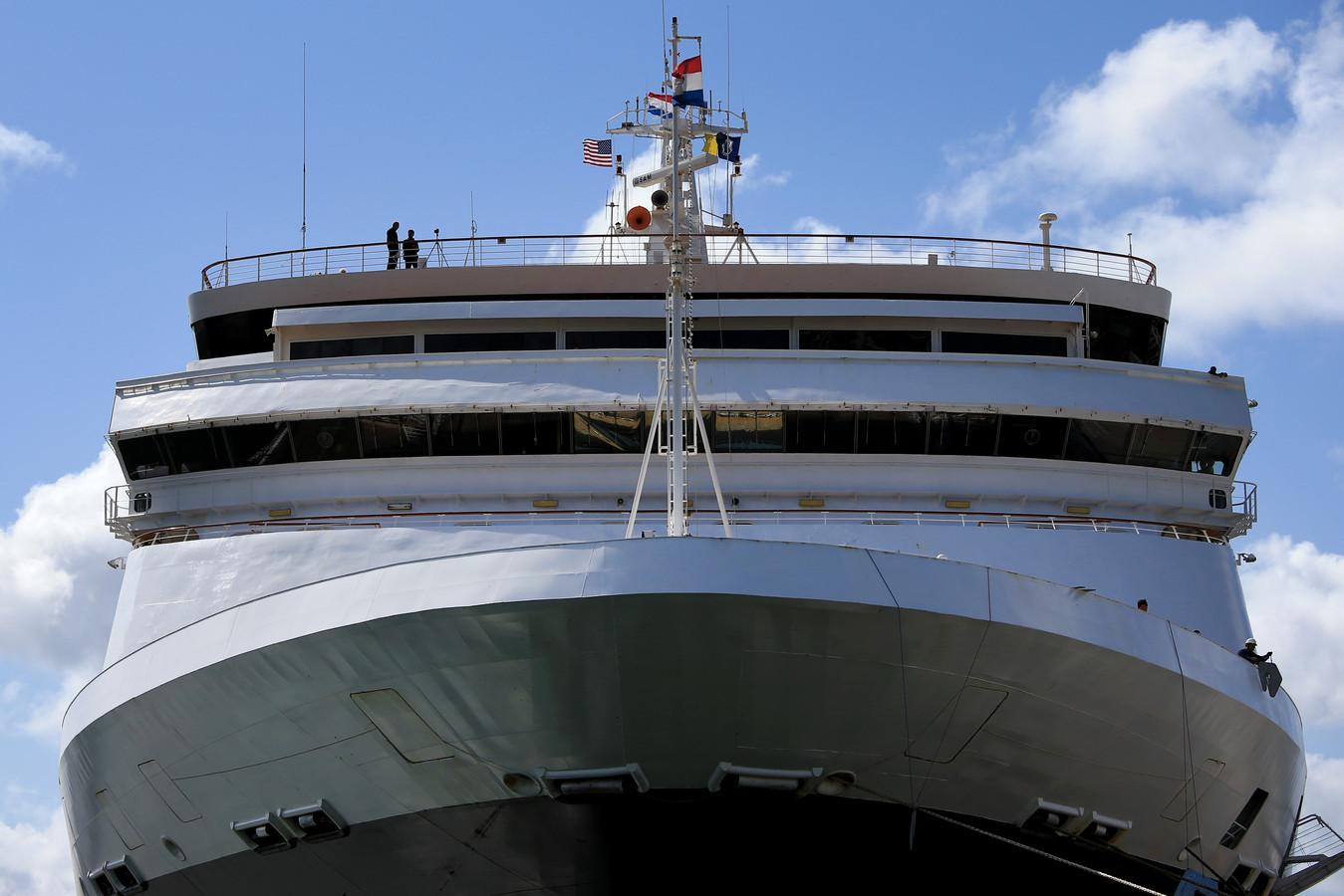 Vier passagiers van cruiseschip Maasdam zijn overleden, aldus de rederij Holland America Line.
