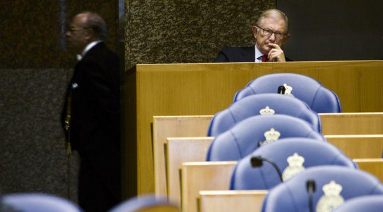 Pieter van Vollenhoven tijdens het debat over de Schipholbrand in de Tweede Kamer in 2006. Beeld Martijn Beekman