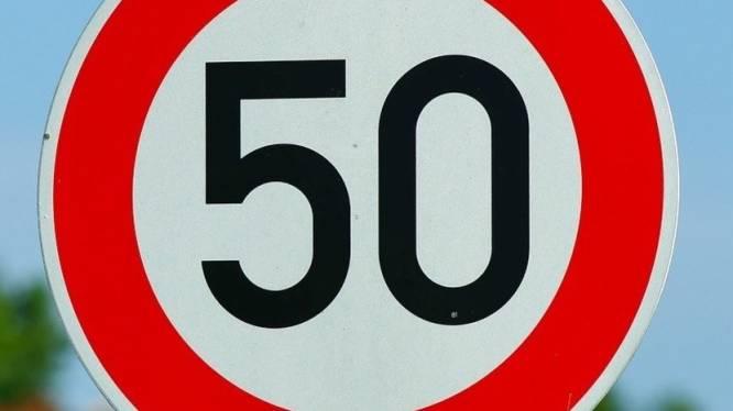 Snelheidsduivel rijdt 110 in de plaats van 50, zes rijbewijzen ingetrokken