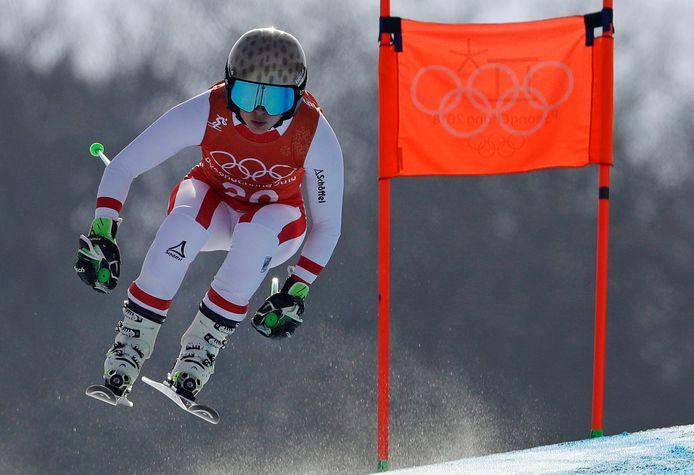 Anna Veith in actie op training voor de downhill.