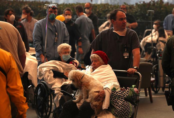 Duizenden mensen zijn geëvacueerd.