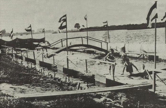 Het zwembad van Lenssen bij Op de Berg in Maashees.