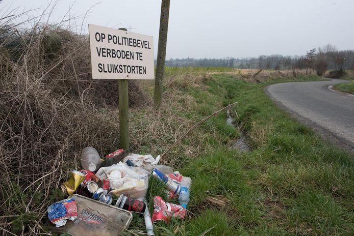 De mobiele camera wordt ingezet tegen het sluikstorten in de gemeente Vorselaar