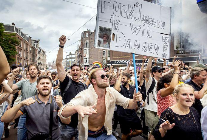 Met de protestmars Unmute Us, die tegelijkertijd in diverse steden werd gehouden, werd vorige week gedemonstreerd tegen de coronamaatregelen.