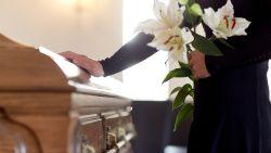 Hoeveel kost een begrafenis en is een uitvaartverzekering voor iedereen interessant?