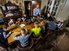 Achttien broden en zeven kilo aardappels: op bezoek bij de Buddenbruckjes