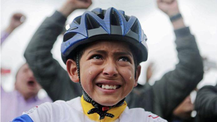 Julián Esteban Gómez kon met zijn geluk geen blijf na de eindoverwinning van Egan Beral in de Tour de France van 2019.