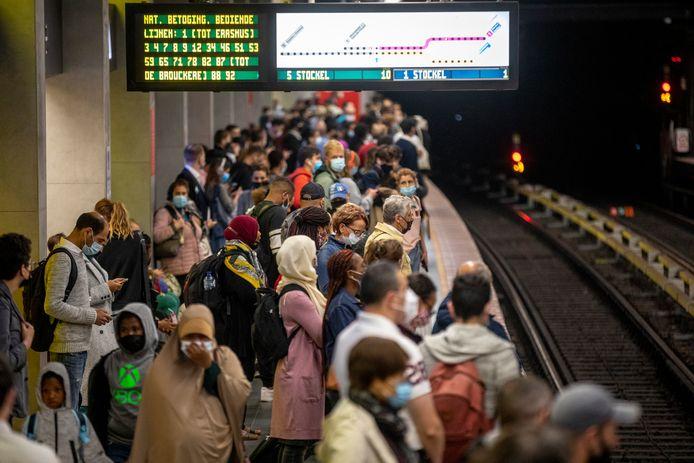 Eén op de vier metro's rijdt vandaag in het Brussels Gewest. De perrons in de metrostations staan rijendik.