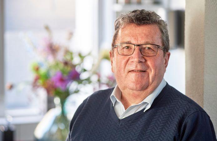 Jo van Vugt uit Berghem stopt na 47 jaar als uitvaartondernemer.