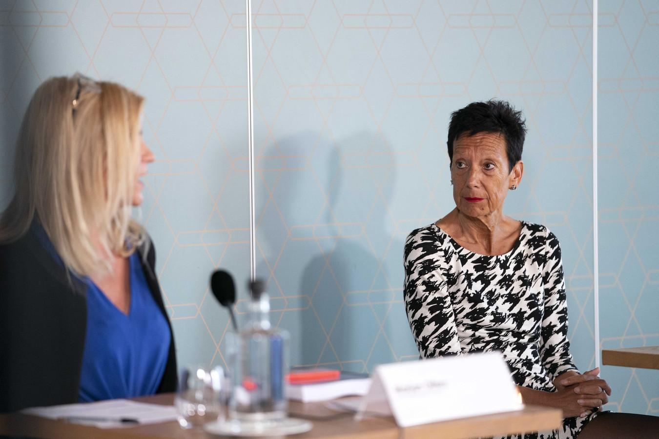 Voorzitter Monique Kempff van de KNGU tijdens de presentatie van het rapport over de aard en de omvang van grensoverschrijdend gedrag in de gymsport.