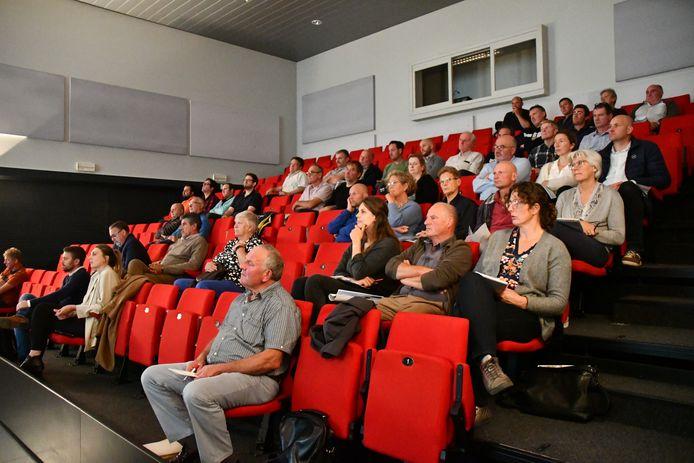 De landbouwers uit Bornem en Puurs-Sint-Amands kregen donderdag in Hingene een uiteenzetting over het project van Rivierpark Scheldevallei.