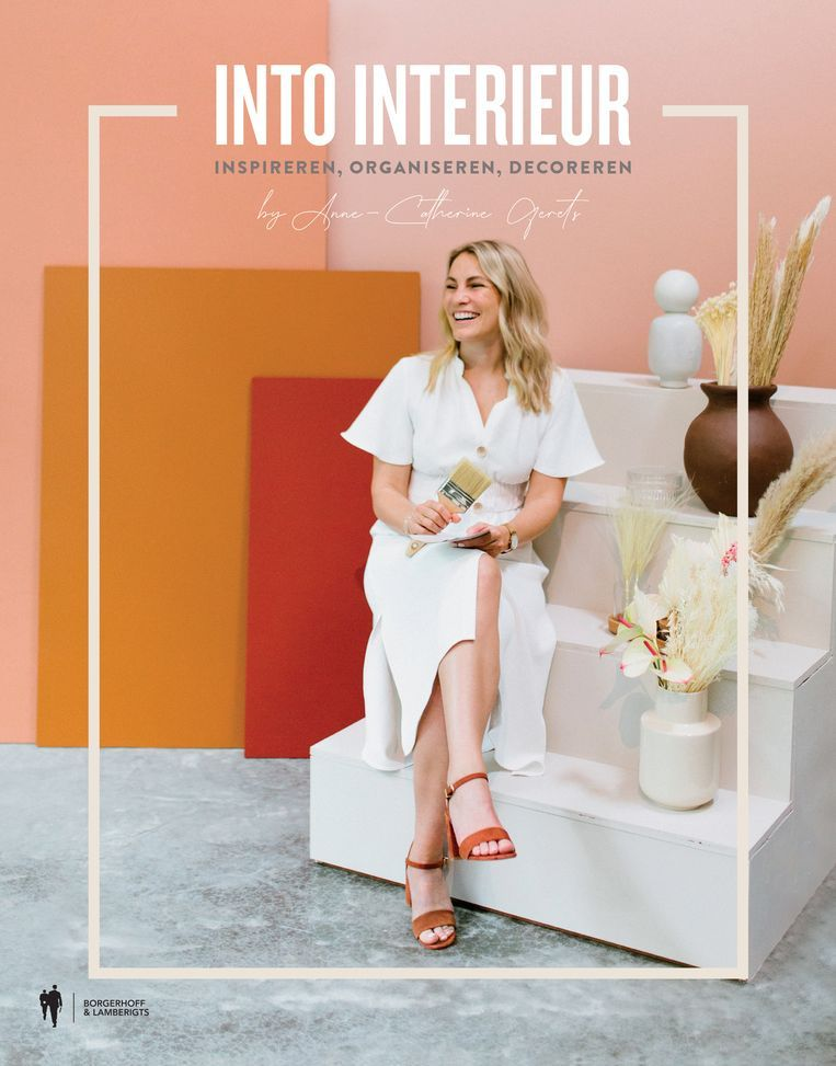 Cover Into Interieur