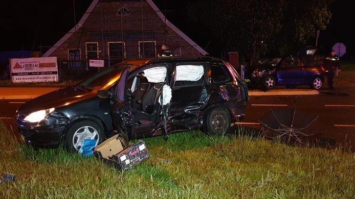 De auto's liepen behoorlijke schade op.