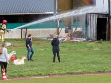 Nog gissen naar oorzaak van brand in geitenstal Zeewolde