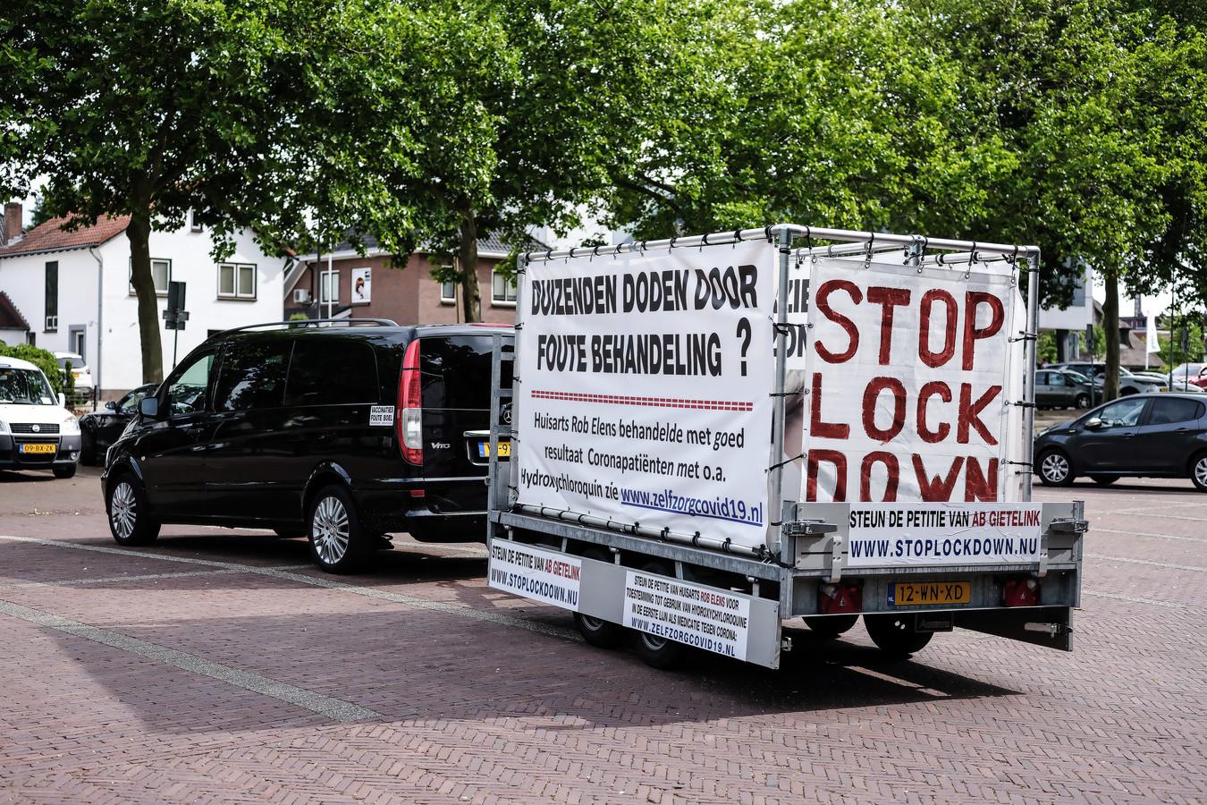 De protestkar van Kees Faasse. Foto: Jan Ruland van den Brink