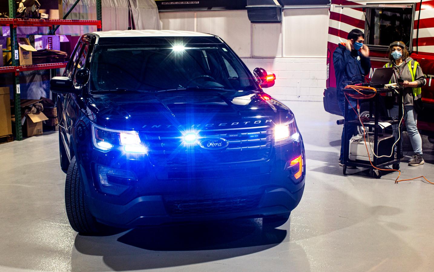 Het onderzoeksteam van Ford richt zich op de Ford Explorer als politieauto.