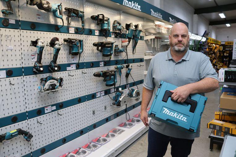 De daders gingen vooral aan de haal met machines van het merk Makita.