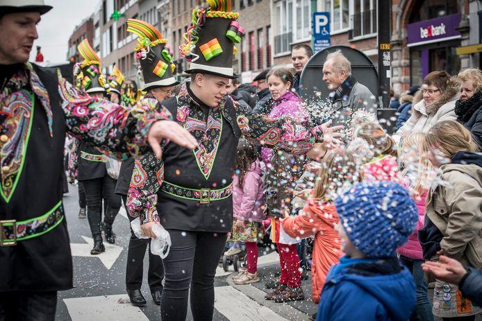 Een archiefbeeld van het Roeselaarse Rodenbach Carnaval.