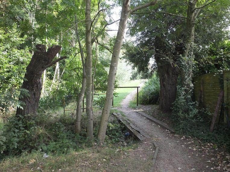 Deze trage weg tussen de Driesmeers en de George Minnelaan heet voortaan Den Kleine Driesch.