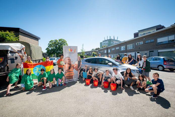 De zesdejeaars van basisschool De Vlindertuin organiseren vrijdag een carwash voor het goede doel.