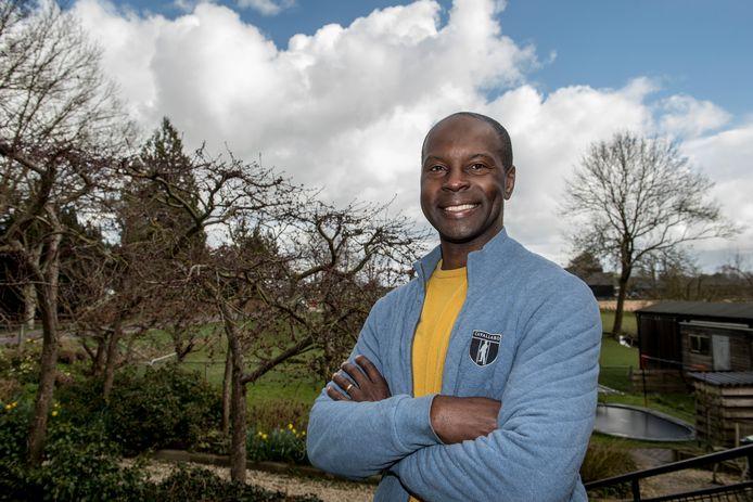 Vrijwilliger Jose Nguema.