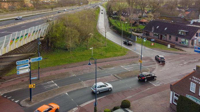 Een te onderzoeken oplossing voor de verkeersproblemen in het centrum is verlenging van de oprit richting Zwolle.