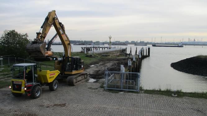 Aannemer plaatst nieuwe damwand voor kaaimuurrenovatie in Doel
