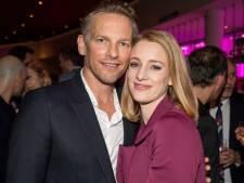 Barry Atsma en Noortje Herlaar verwelkomen tweede kindje