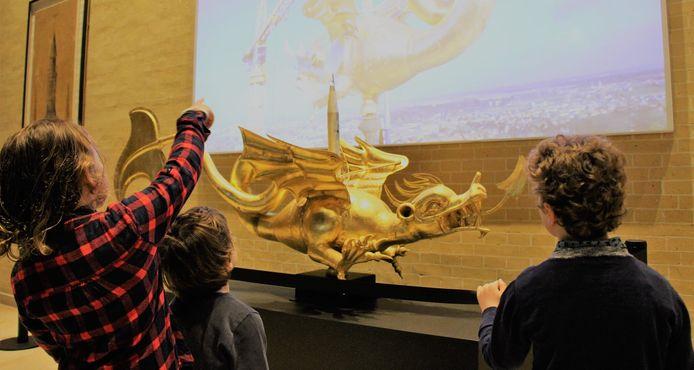 Draak Margriet in het Yper Museum.