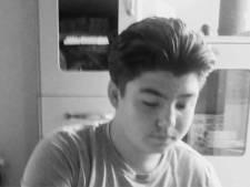 """School doodgestoken Milan (15) in diepe rouw na tragisch overlijden: """"Hij was een prachtige jongeman met een enorm potentieel"""""""