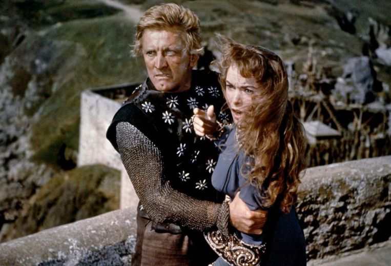 Kirk Douglas en Janet Leigh in The Vikings van Richard Fleischer. Beeld