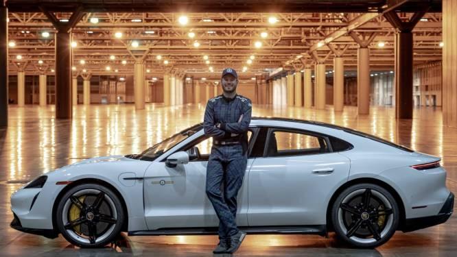 Nieuw snelheidsrecord met auto in een gebouw:  165,1 km/u