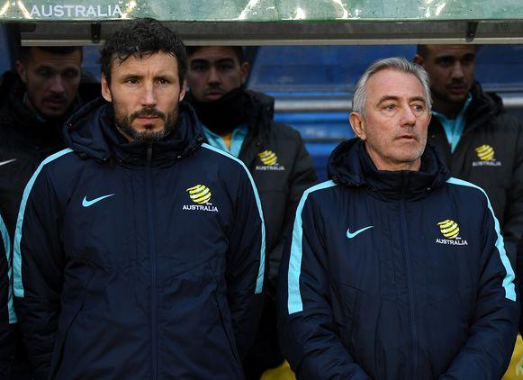 Mark van Bommel (links) assisteert op dit moment nog Bert van Marwijk, bondscoach van Australië.