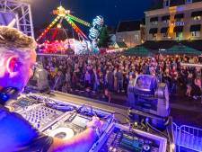 Uitgekleed Straatfestival met muziek op 52 terrassen in Zwolle