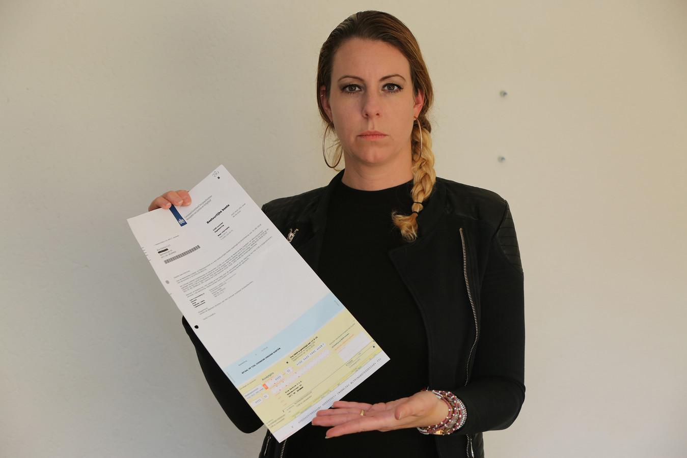 Agnetha Stevens uit Brummen kreeg een boete van bijna 10.000 euro van de NVWA. ,,Dit is schieten met een kanon op een mug. Het staat totaal niet in verhouding.'