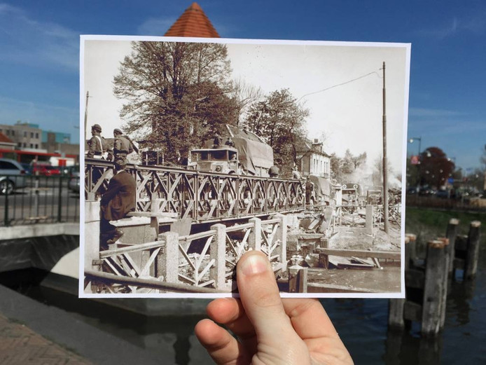 De Deventerstraat: Canadese troepen komen aan over de zogenaamde Baileybrug, een brug van standaard segmenten die zeer snel opgebouwd kan worden. De brug werd destijds samen met de Britten geplaatst, omdat de oude Deventerstraatbrug nog in puin lag. De Duitsers hadden het middendeel verwijderd.