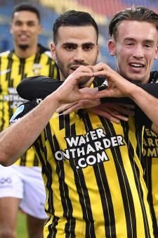De Les van Vites: vechten voor Europees voetbal en negentig VAR-momenten per wedstrijd met slidings op heuphoogte