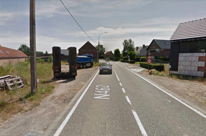 De gewestweg naar Sint-Lievens-Houtem krijgt nieuwe fietspaden en verlichting.
