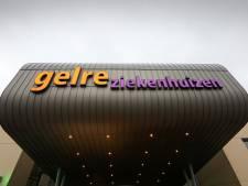 Gelre ziekenhuizen ziet blij eerste opgeknapte covid-patiënt vertrekken